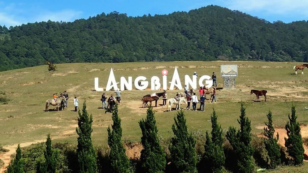 Image result for núi LangBiang Đà Lạt
