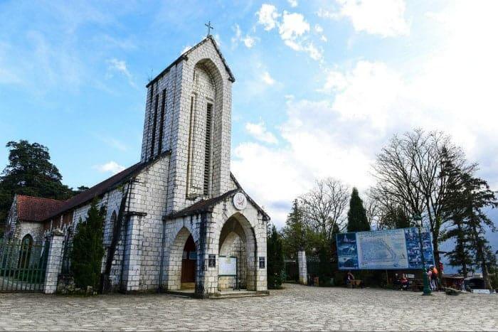 Khám phá biểu tượng nhà thờ Đá SaPa