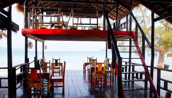 Một nhà hàng ở Secret Paradise Resort nằm ở vịnh Saracen.