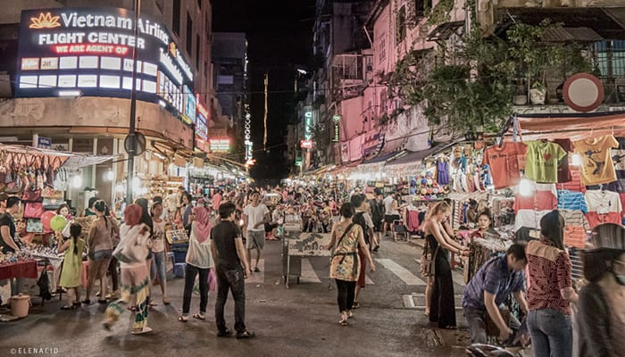 Night-Market-Ben-Thanh-Elena-Cid