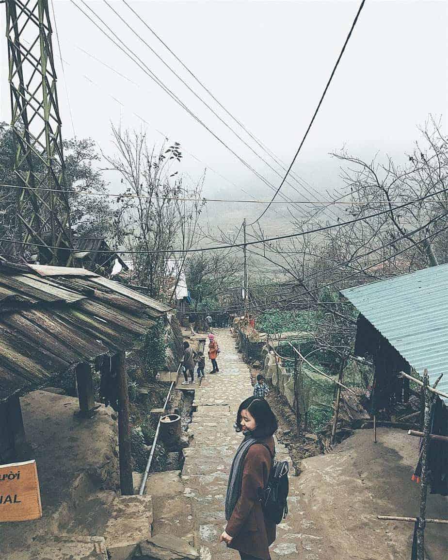 lac-buoc-than-tien-dong-suoi-hoa-cai-trang-dep-nhu-mo-o-sapa-18