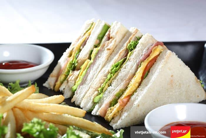 cch-lam-banh-mi-sandwich-kep-trung-0