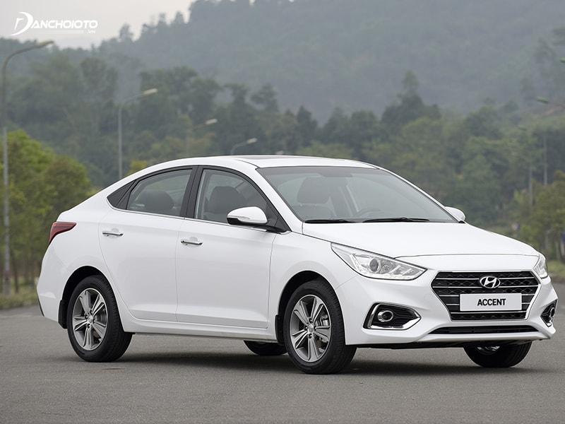 Hyundai Accent được nhiều người lựa chọn làm xe hoa