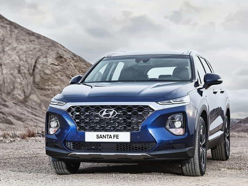 Mua xe ô tô gia đình du lịch, có nên mua Hyundai SantaFe?