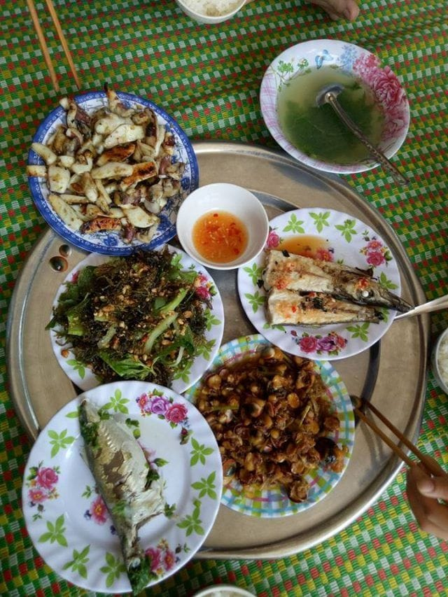 Bữa ăn do đích thân chủ nhà nấu (Ảnh ST)