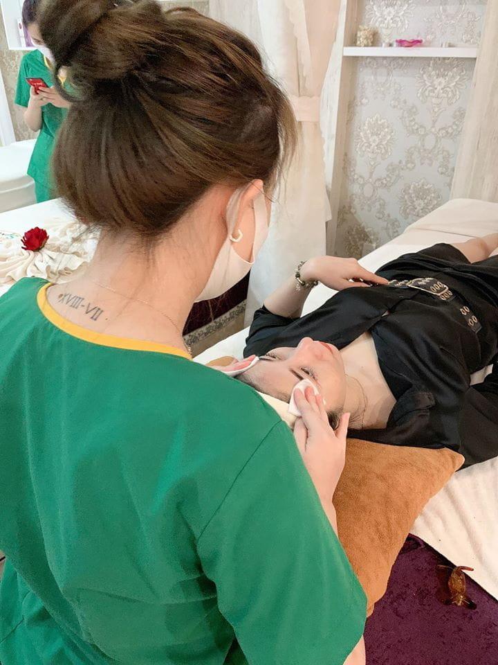 Kansaibo Spa điều trị mụn