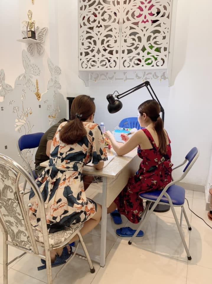 Tư vấn chăm sóc da tại Spa Quỳnh Anh