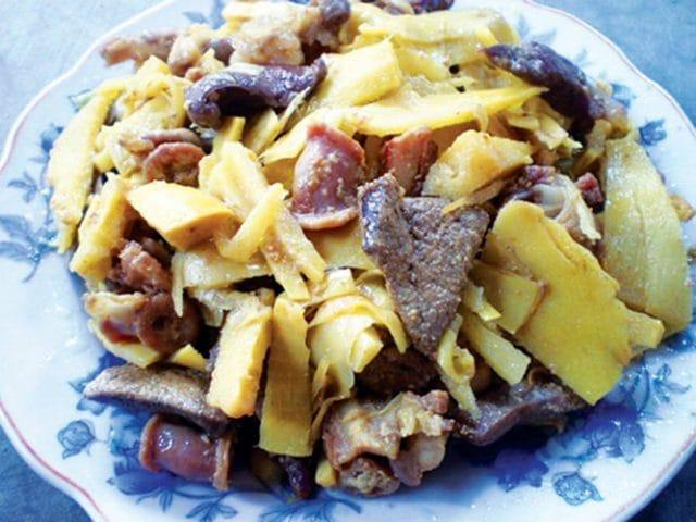 Măng nướng xào vếch bò