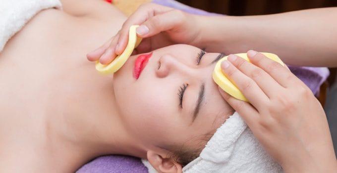 Massage da mặt và làm mịn da tại Hường Spa Nail & Mi
