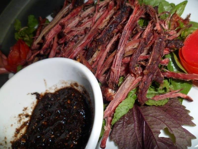 Món thịt bò gác bếp ở Cao Bằng có hương vị rất độc đáo và vô cùng thơm ngon