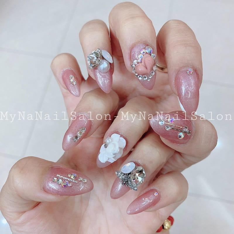 MyNa Nail Salon.