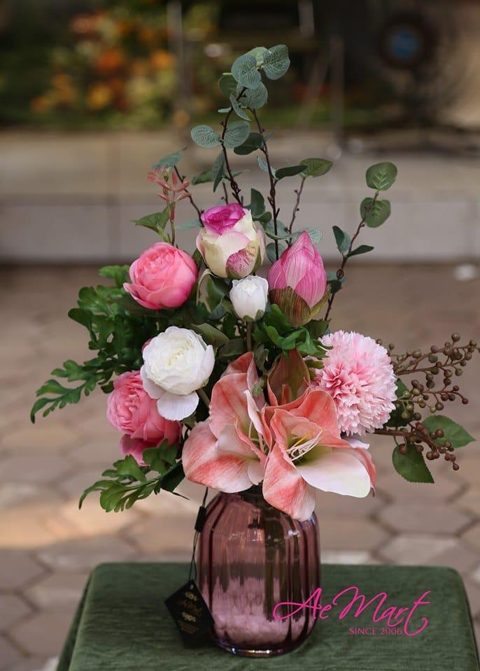 Hoa hồng lụa - một loại hoa được rất nhiều người yêu thích tại cửa hàng