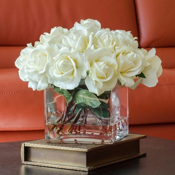 Hoa lụa trắng tinh khôi