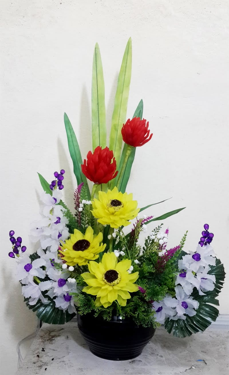 Hoa pha lê nghệ thuật với màu sắc sặc sỡ
