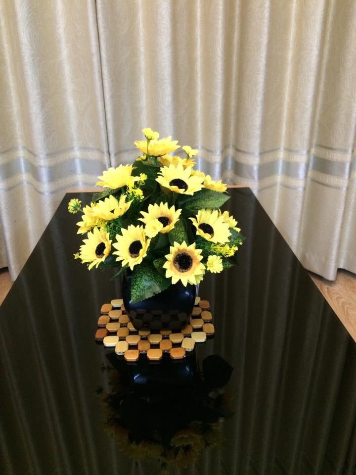 Mẫu hoa hướng dương tại cửa hàng hoa lụa Nhật Phương