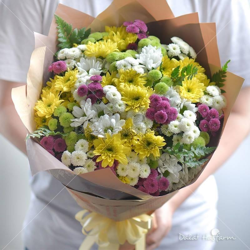 Một bó hoa được làm từ chính tình yêu dành cho hoa của DHF.