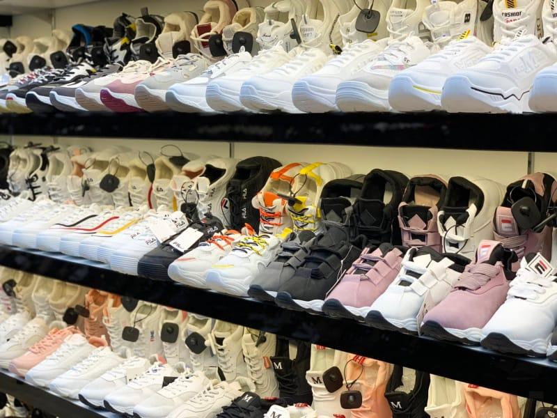 Shop Giày MWC
